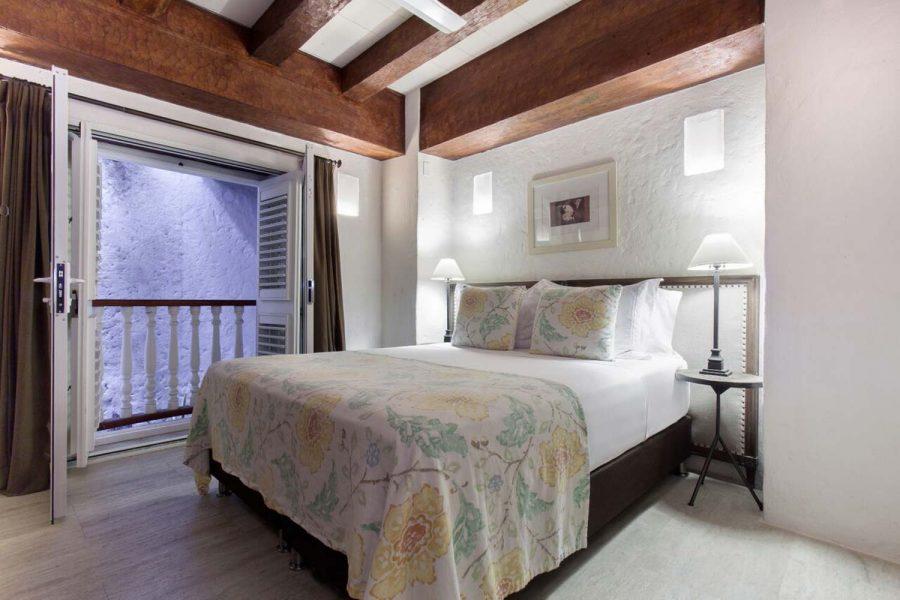 casa-del-coliseo_standard-room-01